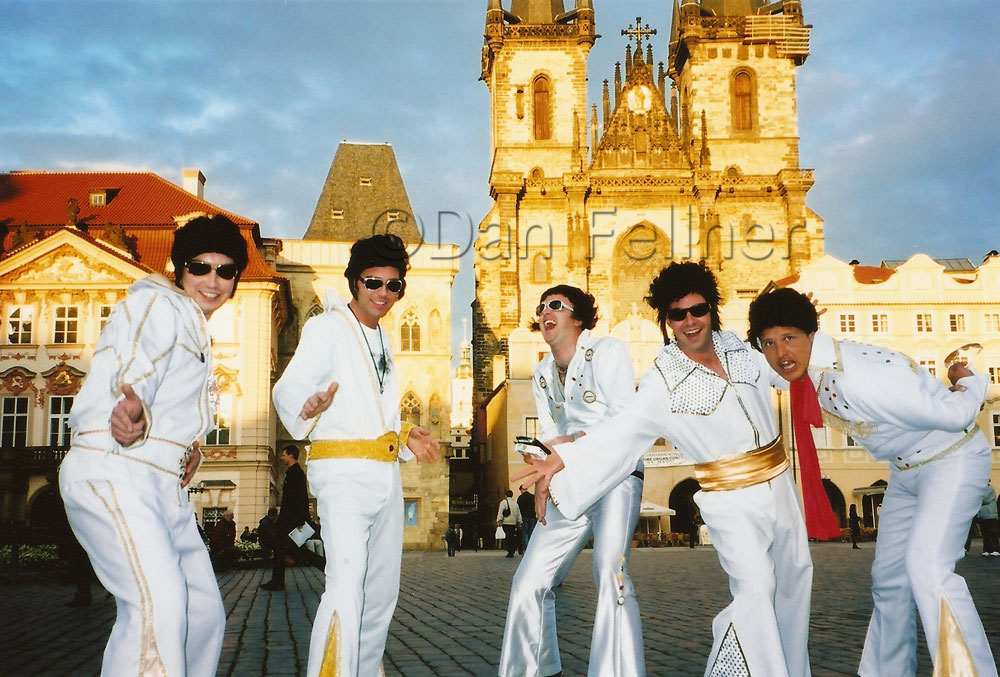 [Image: Elvis-impersonators-in-Prague.jpg]