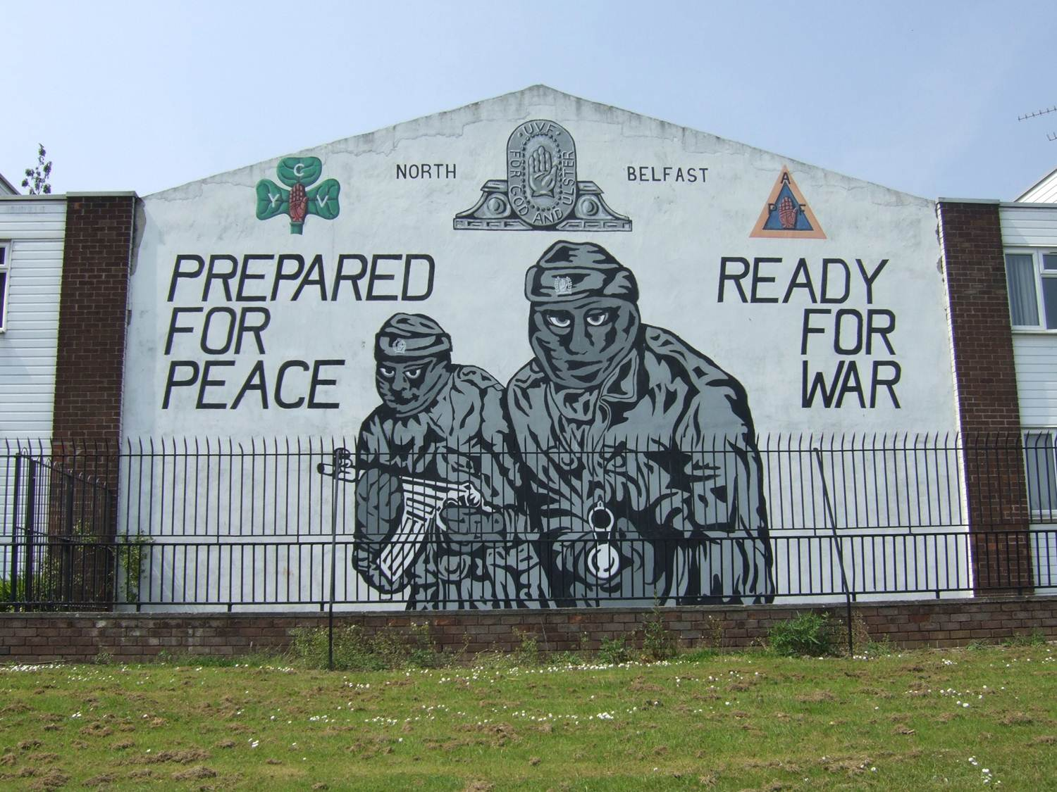 photo of belfast northern ireland murals on global travel