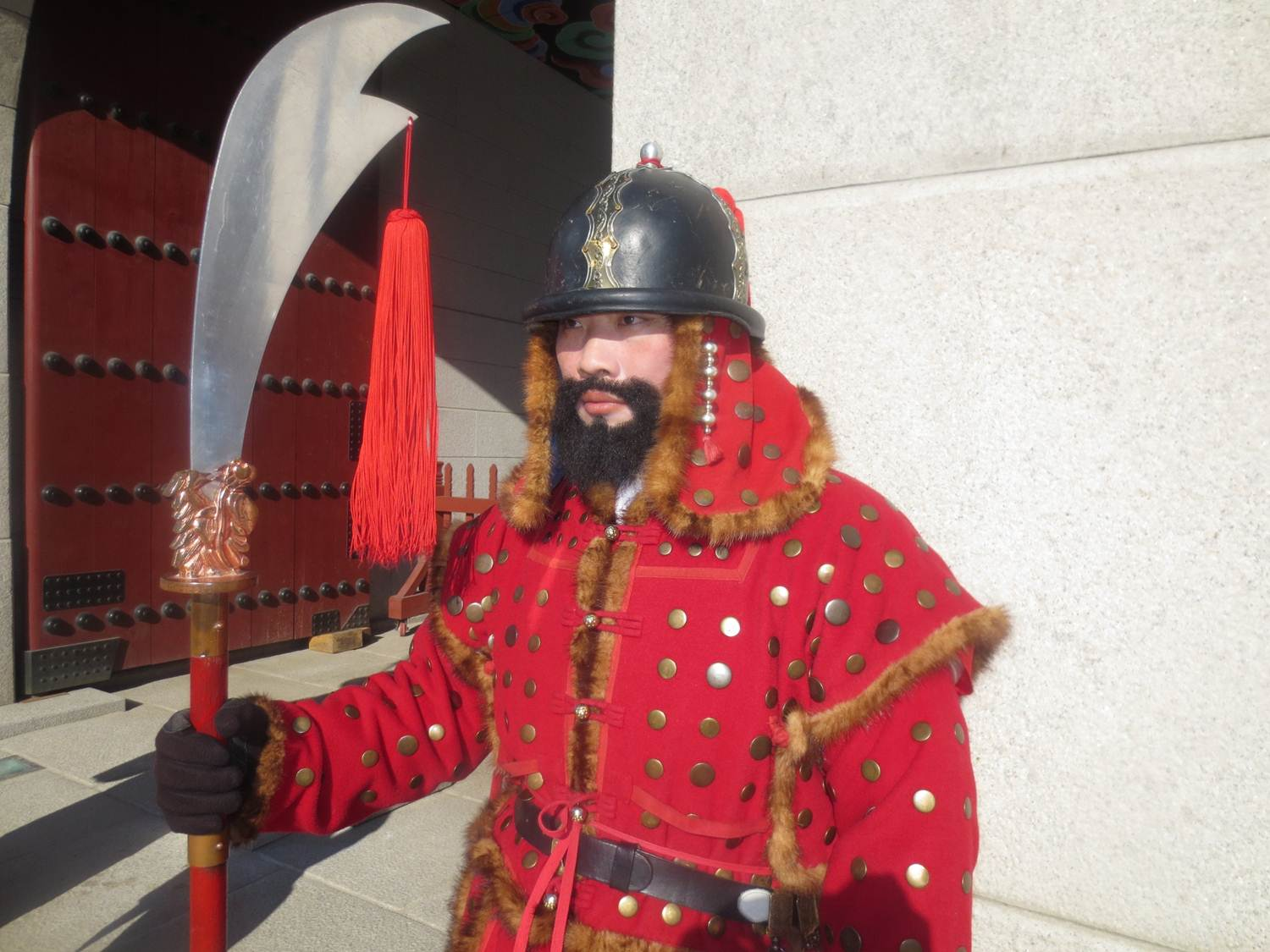 photo essay guarding seoul s royal palace global travel info com gyeongbokgung palace seoul south korea