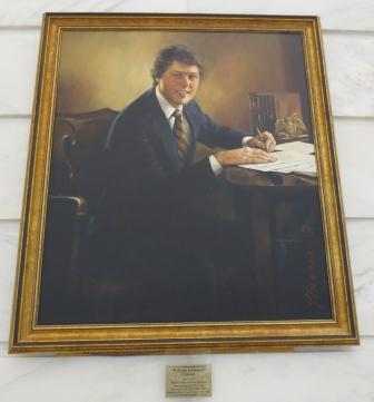 Clinton portrait at Arkansas Capitol