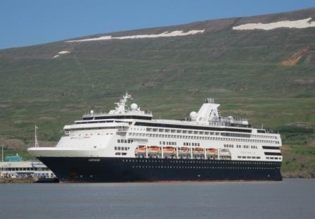 Holland America Veendam in Iceland