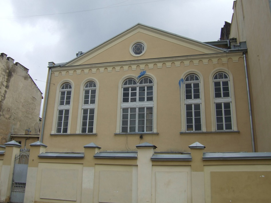Lvov's only active synagogue